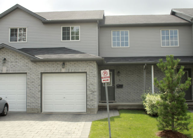 Royal Premier Homes - Eco Friendly Home Builders London - Aspen - House Front View - Gallery Image