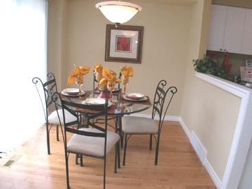 Royal Premier Homes - Eco Friendly Home Builders London - Aspen - Dining Area - Gallery Image