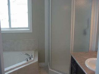 Royal Premier Homes - Eco Friendly Home Builders London - Beaverbrook III - Bathroom