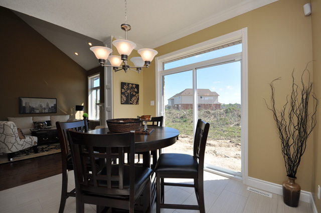 Royal Premier Homes - Eco Friendly Home Builders London - Beaverbrook I - Dining Area