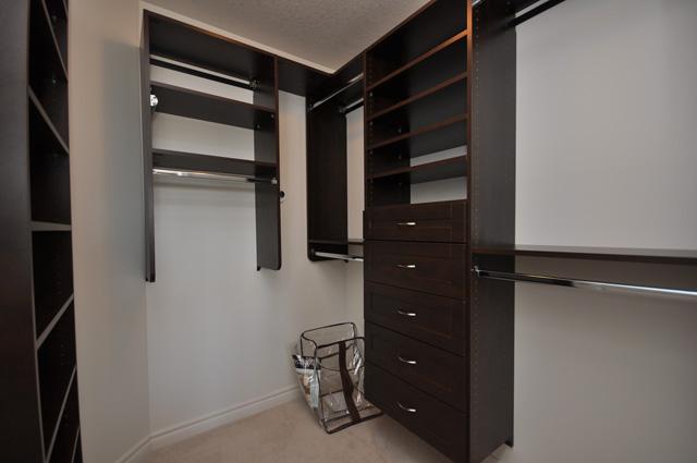 Royal Premier Homes - Eco Friendly Home Builders London - Beaverbrook I - Closet
