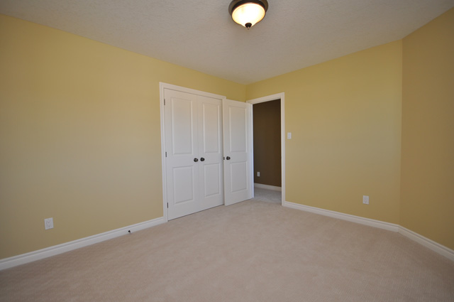 Royal Premier Homes - Eco Friendly Home Builders London - Beaverbrook I - Empty Room
