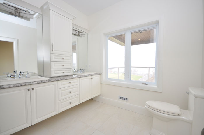 Royal Premier Homes - Eco Friendly Home Builders London - Crestwood II - Wash Room