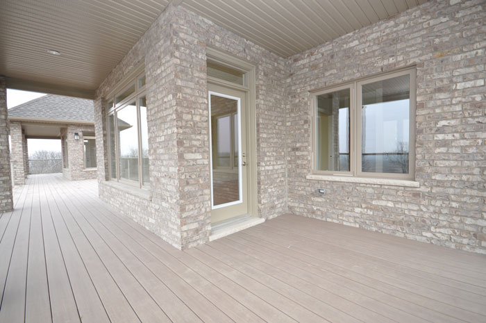 Royal Premier Homes - Eco Friendly Home Builders London - Crestwood II - Veranda