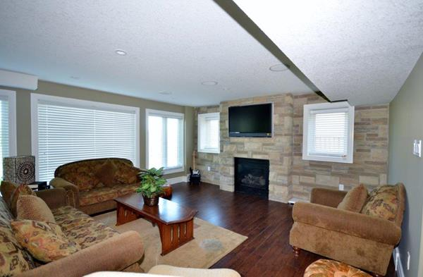 Royal Premier Homes - Eco Friendly Home Builders London - Crestwood I - Living Room