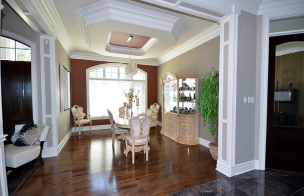 Royal Premier Homes - Eco Friendly Home Builders London - Crestwood I - Living Room
