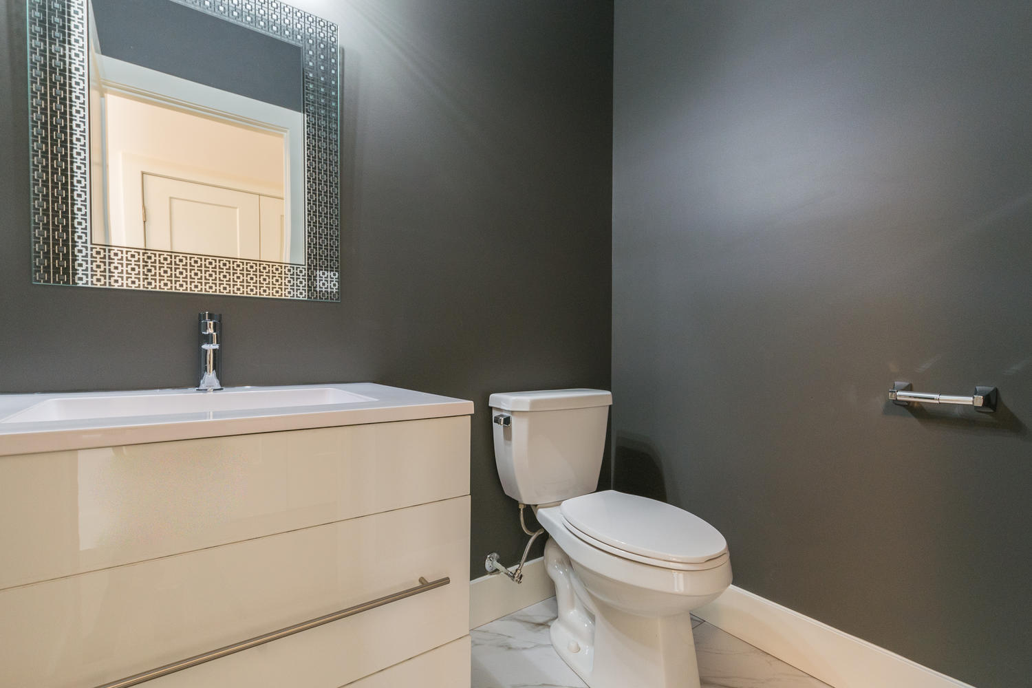 Royal Premier Homes - Eco Friendly Home Builders London - Frontier - Wash Room
