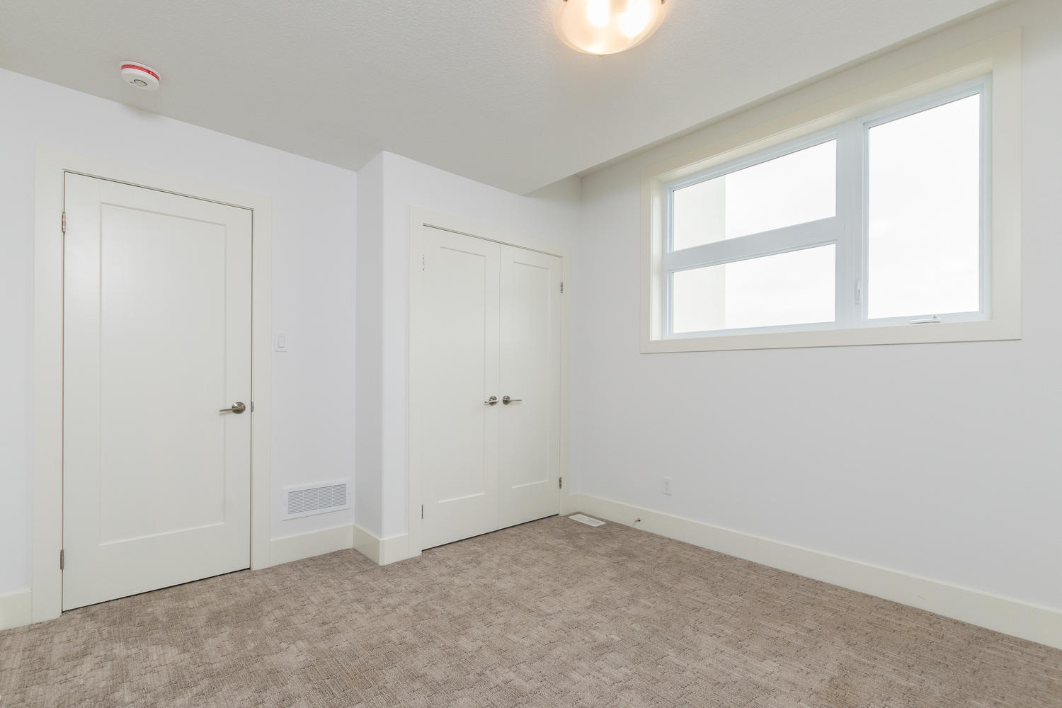 Royal Premier Homes - Eco Friendly Home Builders London - Frontier - Empty Room