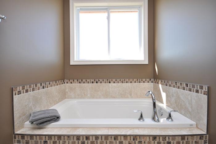 Royal Premier Homes - Eco Friendly Home Builders London - Navin II - Bath Tub