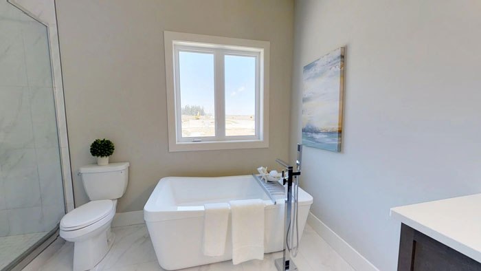 Royal Premier Homes - Eco Friendly Home Builders London - Privet - Bath Tub